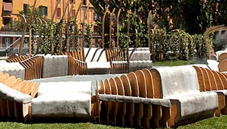 Le panchine yoga di YAP MAXXI 2012 arrederanno i giardini della Casa del Parco