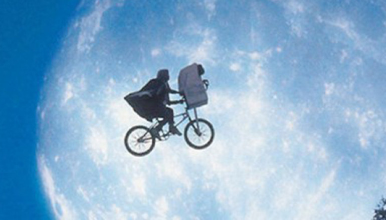 Per grandi e bambini proiezione di E.T. alla Casa del Cinema