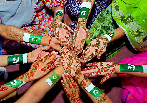 Festa del pakistan tra colori tradizioni e giochi per bambini for Tradizioni di roma