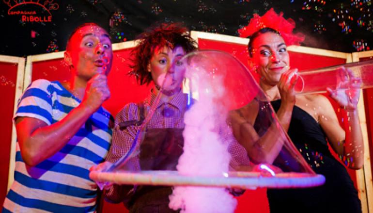 A Natale Ribolle, lo spettacolo di bolle di sapone al Teatro Greco