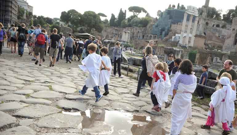 Visita gioco al Foro Romano con  Il Periegeta