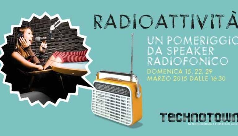 Giocare a fare gli speaker radiofonici da Technotown