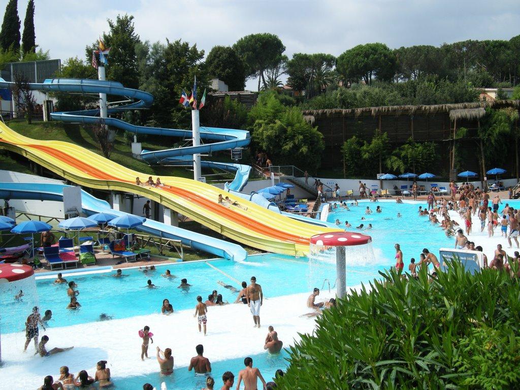 Apertura 2015 per hydromania il parco acquatico di roma - Hotel piscina roma ...