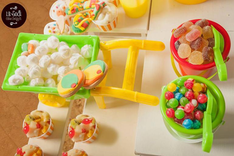 Buffet Di Dolci Per Bambini : Buffet dolce vacanza con i bigné e altri dolci barretta di
