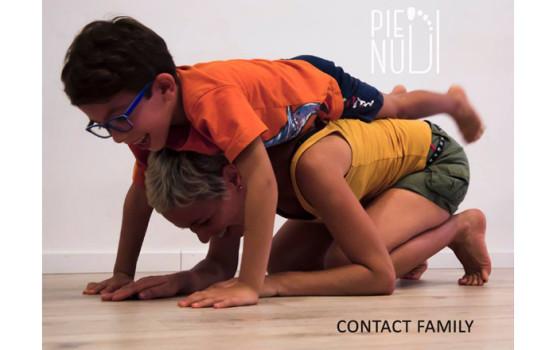 Contact Family laboratorio di movimento e contatto tra generazioni