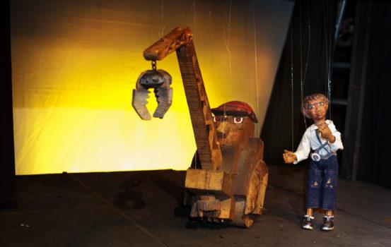 Chiribio e la gru spettacolo per bambini da 2 a 6 anni al Teatro Mongiovino