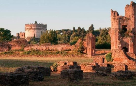 Visita guidata con caccia al tesoro al Circo di Massenzio