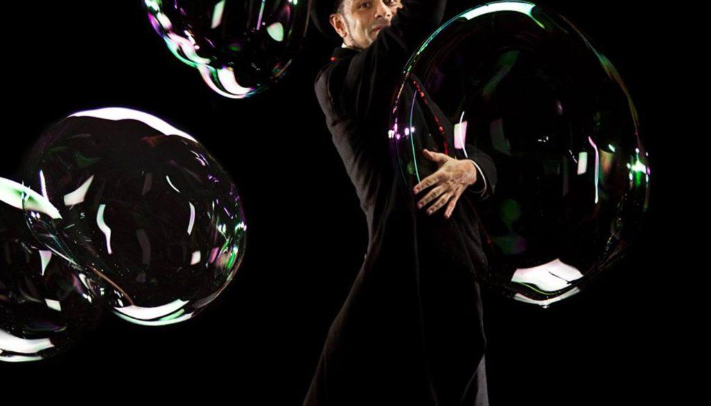 Teatro Verde di Roma spettacolo di bolle di sapone